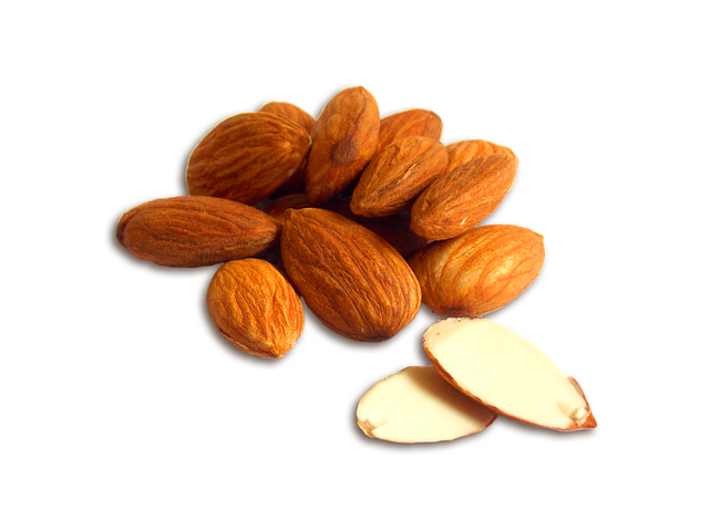 How Much Almonds Eat Every Day?